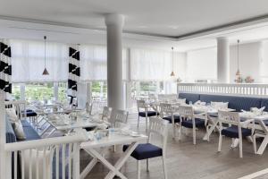 A restaurant or other place to eat at Steigenberger Grandhotel & Spa Heringsdorf