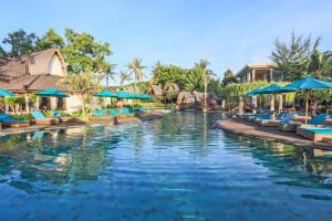 المسبح في فيلا أومباك أو بالجوار
