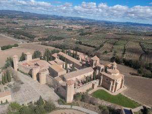 A bird's-eye view of Hotel Rural y Apartamentos Villa Engracia