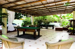 A pool table at Resort Pau Brasil All Inclusive