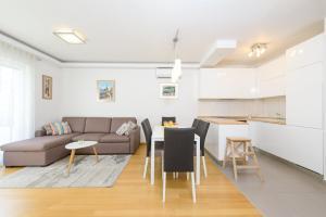 A seating area at Apartment Nikolina