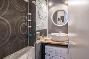 Salle de bains dans l'établissement Au Pied Du Mont-Blanc - Chamonix
