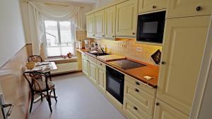 Küche/Küchenzeile in der Unterkunft Westerstrasse 6