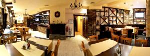 A restaurant or other place to eat at Hotel Iva & Elena