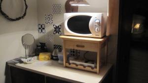 A kitchen or kitchenette at Eriks Bädd och Pentry