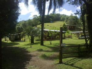 Um jardim em Pousada Recanto Tucano