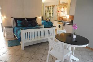 A seating area at St Lucia Escape