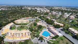 Een luchtfoto van Colina Da Lapa Resort
