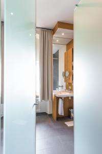 Ein Badezimmer in der Unterkunft Hotel Kloster Holzen