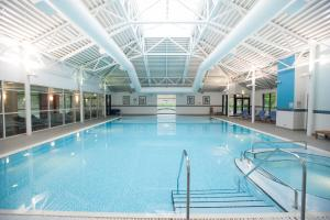 The swimming pool at or near DoubleTree by Hilton Edinburgh Airport