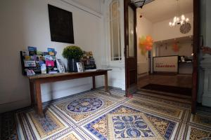 The lobby or reception area at Aberdeen Youth Hostel
