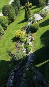 Ein Garten an der Unterkunft Ferienapartment