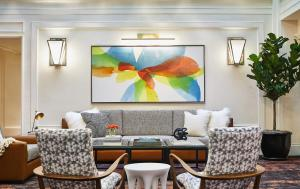 A seating area at Galleria Park, a Joie de Vivre Hotel