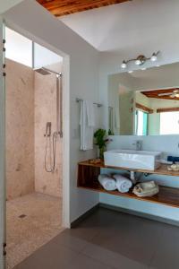A bathroom at El Castillo - Adults only