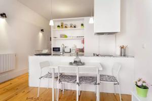 A cozinha ou kitchenette de Oporto Invite Flores Historical Ctr