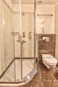 A bathroom at Sofia Hotel