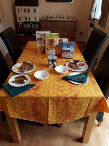 A restaurant or other place to eat at Sawbridgeworth Bed & Breakfast