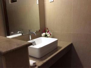 A bathroom at Villa Nilaveli Cabana