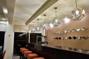 Lounge oder Bar in der Unterkunft Theo Hotel