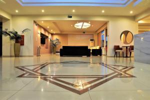 Lobby/Rezeption in der Unterkunft Theo Hotel
