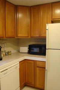 A kitchen or kitchenette at The Chapman House