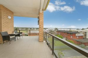A balcony or terrace at Sandpiper 9 25 Waugh Street