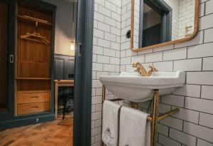 A bathroom at Langley Hotel Gustavia