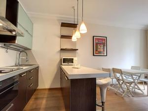 A kitchen or kitchenette at Nestor&Jeeves - CALIFORNIA - Central - Very close sea