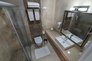 Ванная комната в Linda Resort Hotel