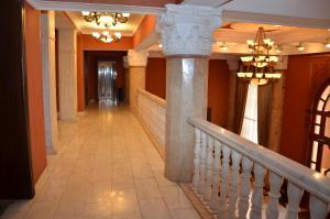 O saguão ou recepção de Ganja Hotel