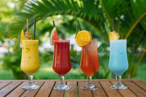 Drinks at Long Set Resort