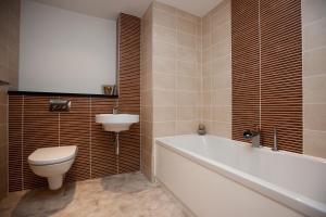 A bathroom at The Spires Glasgow
