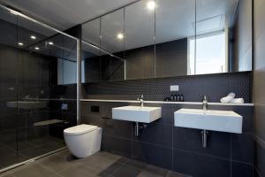 381 クレモルネにあるバスルーム