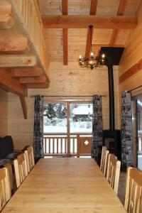 A restaurant or other place to eat at Le Chalet d'Ulysse