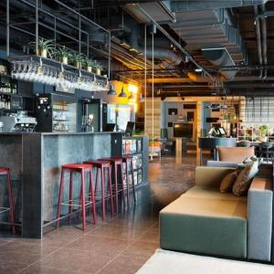 Lounge oder Bar in der Unterkunft Comfort Hotel Västerås