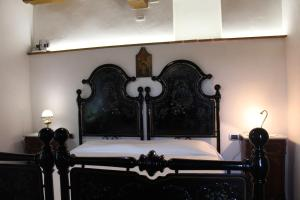 A bed or beds in a room at Fontesettimena