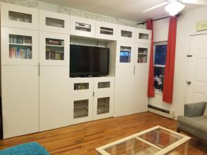 A television and/or entertainment centre at Brooklyn Hidden Oasis