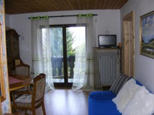 Ein Sitzbereich in der Unterkunft Appartementhaus Schwarzwaldblick