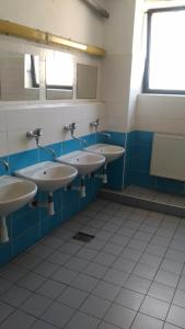 A bathroom at Hostel Strahov