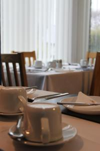 A restaurant or other place to eat at The St. Leonards Guest House