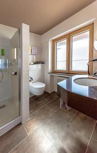 Ein Badezimmer in der Unterkunft Wittlers Hotel