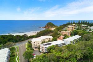 A bird's-eye view of Flynns Beach Resort