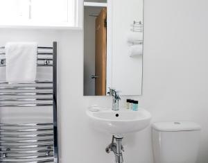 A bathroom at Sea Spray