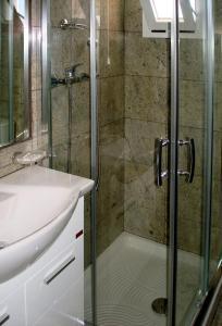 Ванная комната в Patmos Paradise Hotel