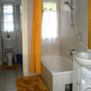 Ein Badezimmer in der Unterkunft Ferienwohnungen Dr. Neubert