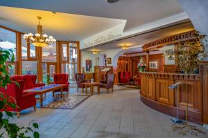 The lobby or reception area at Betekints Wellness Hotel