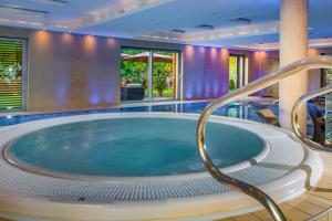 The swimming pool at or near Betekints Wellness Hotel