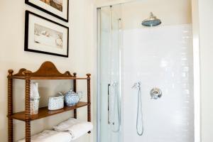 Salle de bains dans l'établissement Appartements Les Suites Sarladaises