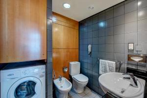 حمام في فنادق جي 5 - بور سعيد