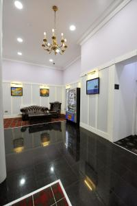 The lobby or reception area at Alexander Thomson